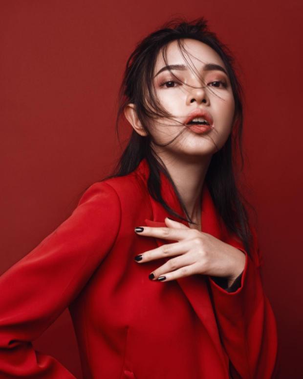 4 cô nàng Việt sở hữu đôi môi dày mọng nhìn là muốn cắn - Ảnh 1.