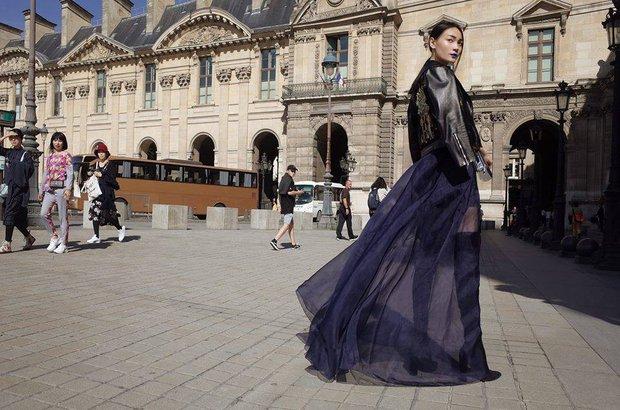 Diện trang phục của NTK Việt, street style của Thùy Trang vẫn lên thẳng Vogue Ý - Ảnh 6.