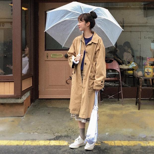 Không theo style đại trà của hot girl Hàn, cô nàng này sẽ khiến bạn xuýt xoa vì cách ăn mặc hay ho không chịu nổi - Ảnh 3.