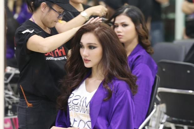 Nhan sắc 10 người đẹp đầu tiên lọt vào Bán kết Hoa hậu Hoàn vũ Việt Nam 2017 - Ảnh 6.