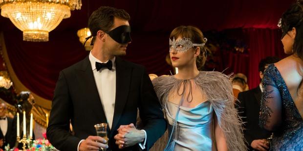 Đây chính là 4 thỏi son nhân vật Anastasia dùng trong Fifty Shades Darker - Ảnh 5.