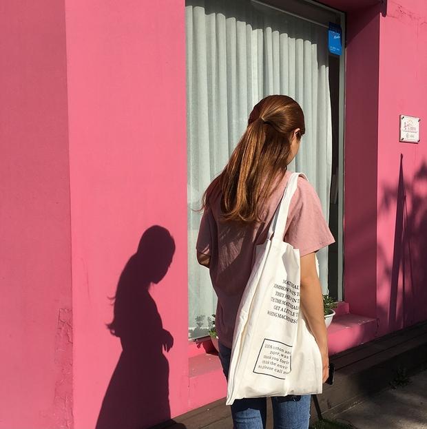 Ai bảo túi đi học không thể trendy? Đây là 5 kiểu túi cực xinh và chất mà các nàng có thể diện đến trường - Ảnh 10.
