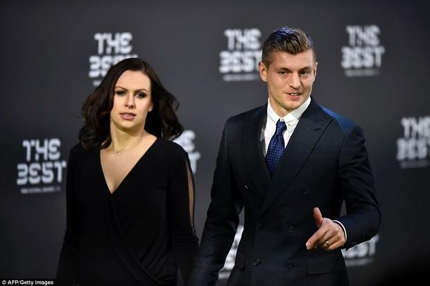 Bạn gái Ronaldo đánh bật nhan sắc sao Hollywood tại Gala FIFA - Ảnh 12.