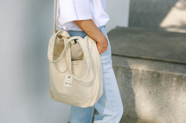 Ai bảo túi đi học không thể trendy? Đây là 5 kiểu túi cực xinh và chất mà các nàng có thể diện đến trường - Ảnh 12.