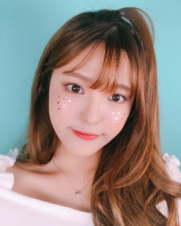 Xinh là một chuyện, các hot girl châu Á còn chăm áp dụng 5 bí kíp makeup này để có ảnh selfie thật ảo - Ảnh 10.