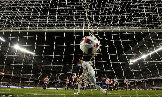 Messi ghi bàn quyết định, Barca ngược dòng vào tứ kết Cúp Nhà vua - Ảnh 5.