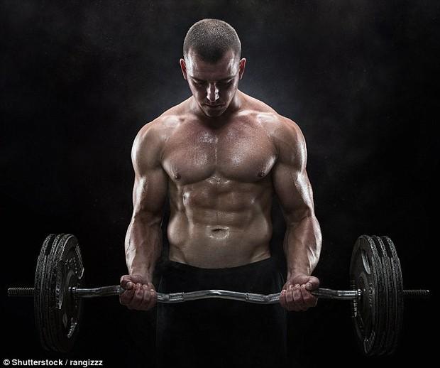 Khoa học chứng minh: Tập gym nhiều với cường độ càng cao, chuyện ấy càng yếu - Ảnh 1.