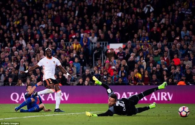 Messi lập cú đúp, Barca thắng đậm Valencia - Ảnh 5.