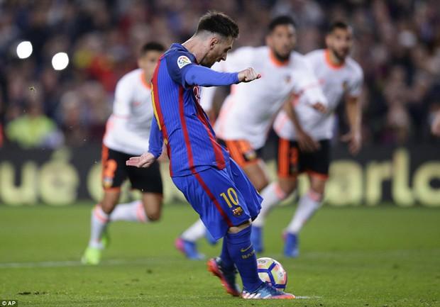 Messi lập cú đúp, Barca thắng đậm Valencia - Ảnh 8.