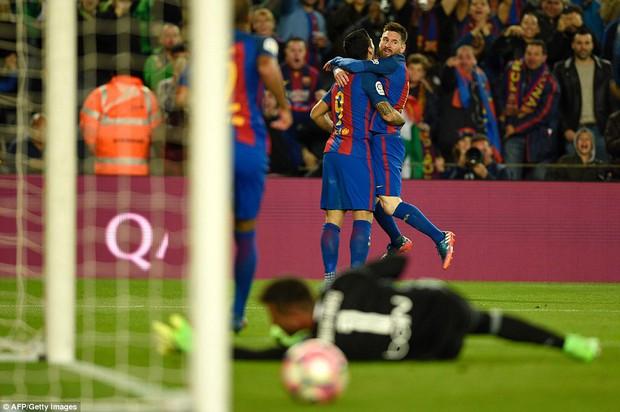Messi lập cú đúp, Barca thắng đậm Valencia - Ảnh 10.