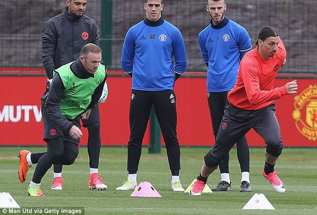 CLB Mỹ hỏi mua Ibrahimovic, kèm điều kiện cho Man Utd mượn lại - Ảnh 2.