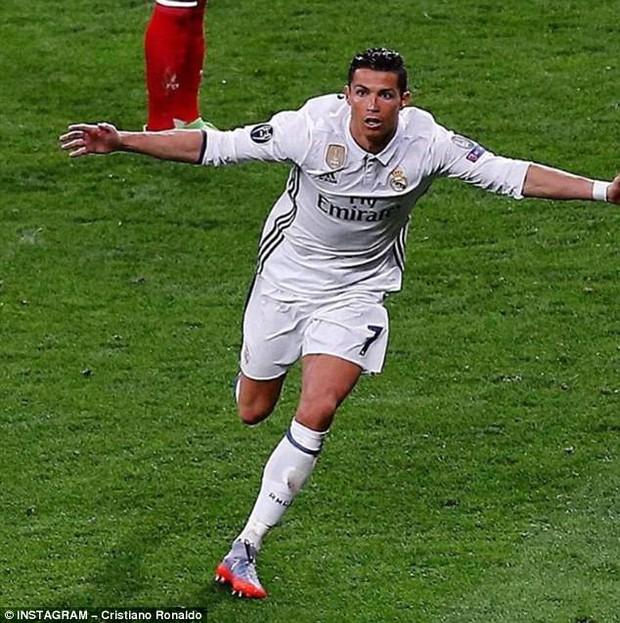 7 bức ảnh nhiều like nhất trên Instagram 100 triệu người theo dõi của Ronaldo - Ảnh 3.