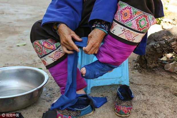 Mục sở thị những đôi chân gót sen cuối cùng của phụ nữ Trung Quốc thời hiện đại - Ảnh 7.