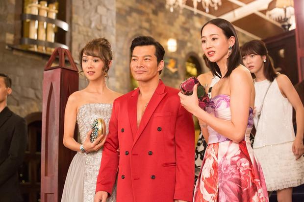 Trương Quân Ninh, Trần Ý Hàm mê chơi đến... bay cả quần áo ở tiệc xa hoa của Trần Bảo Sơn - Ảnh 6.