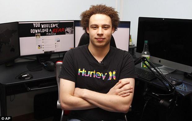 Có ai biết người hùng vừa cứu thế giới khỏi WannaCry từng bị đình chỉ học và cấm sử dụng Internet - Ảnh 1.