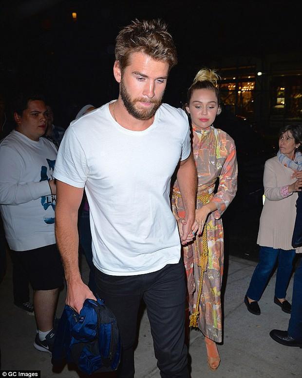 Miley muốn phân chia tài sản trước khi cưới, Liam tức giận cãi nhau và đòi chia tay? - Ảnh 1.