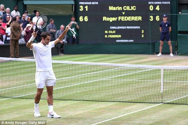 Federer bật khóc giây phút nhìn thấy bốn nhóc tì đáng yêu - Ảnh 2.