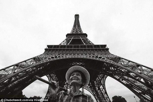 Nhiếp ảnh gia Thái Lan đưa mẹ đi du lịch vòng quanh thế giới bằng một cách rất cảm động - Ảnh 14.
