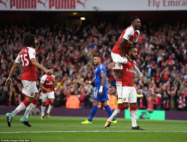 Ngày trở lại, Premier League khai tiệc với 7 bàn thắng - Ảnh 2.