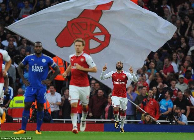 Ngày trở lại, Premier League khai tiệc với 7 bàn thắng - Ảnh 3.