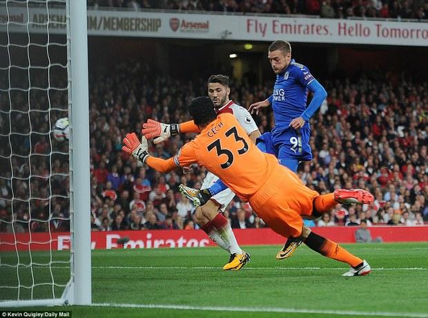 Ngày trở lại, Premier League khai tiệc với 7 bàn thắng - Ảnh 5.