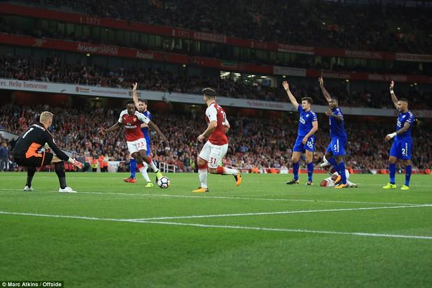 Ngày trở lại, Premier League khai tiệc với 7 bàn thắng - Ảnh 6.
