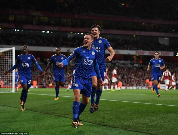 Ngày trở lại, Premier League khai tiệc với 7 bàn thắng - Ảnh 7.