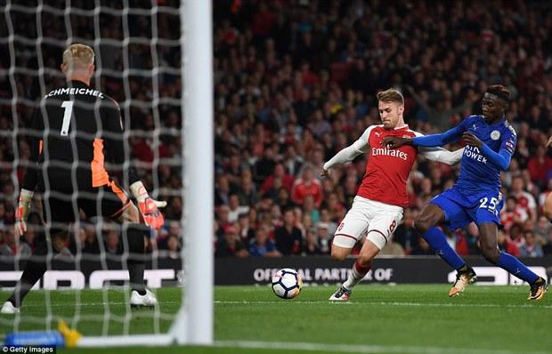 Ngày trở lại, Premier League khai tiệc với 7 bàn thắng - Ảnh 9.