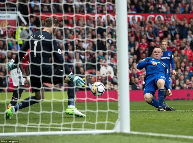 Lukaku, hãy nhìn cái cách người Man Utd đối xử với Rooney! - Ảnh 1.