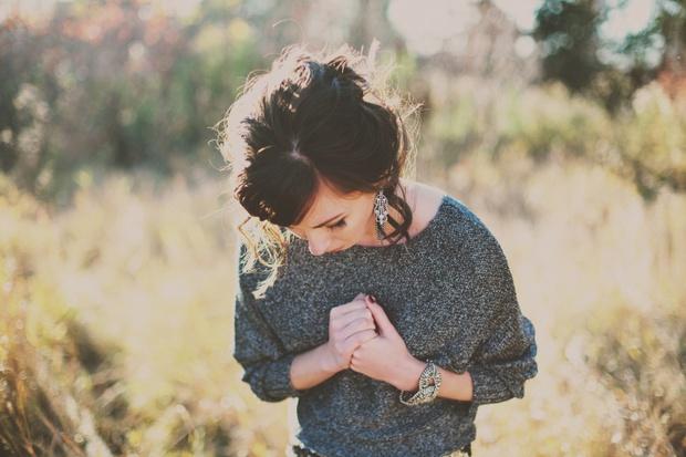 Đôi khi chúng ta muốn yêu lại người cũ không bởi vì còn yêu, mà bởi chúng ta tiếc thương tình cũ - Ảnh 1.