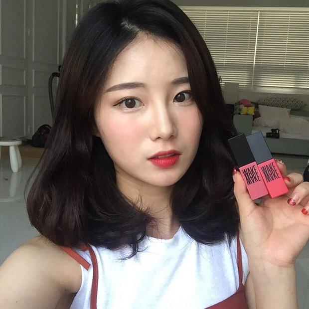 Dù son kem lì có hot đến mấy, con gái Hàn vẫn nặng lòng với son tint và đây là 5 cây son đang được kết nhất - Ảnh 19.