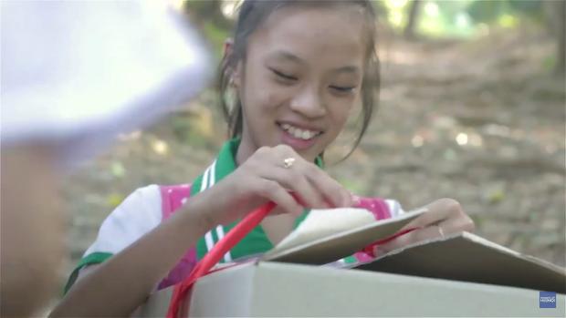 Humans Of Hanoi và chiến dịch gây quỹ nghĩa tình gửi đến những em học trò của thầy Trần Bình Phục - Ảnh 10.