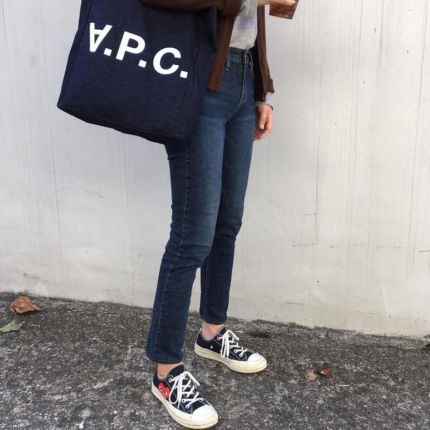 Converse x COMME des GARÇONS Play: đôi sneaker ra mắt đã lâu nhưng chưa bao giờ giới trẻ thôi mê đắm - Ảnh 10.