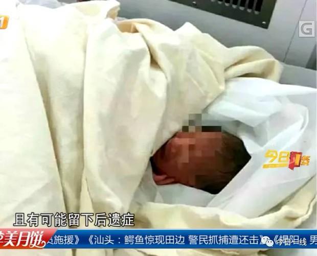 Bà nội cùng bà ngoại thẳng tay ném cháu gái mới sinh thiếu tháng vào thùng rác bên đường - Ảnh 4.