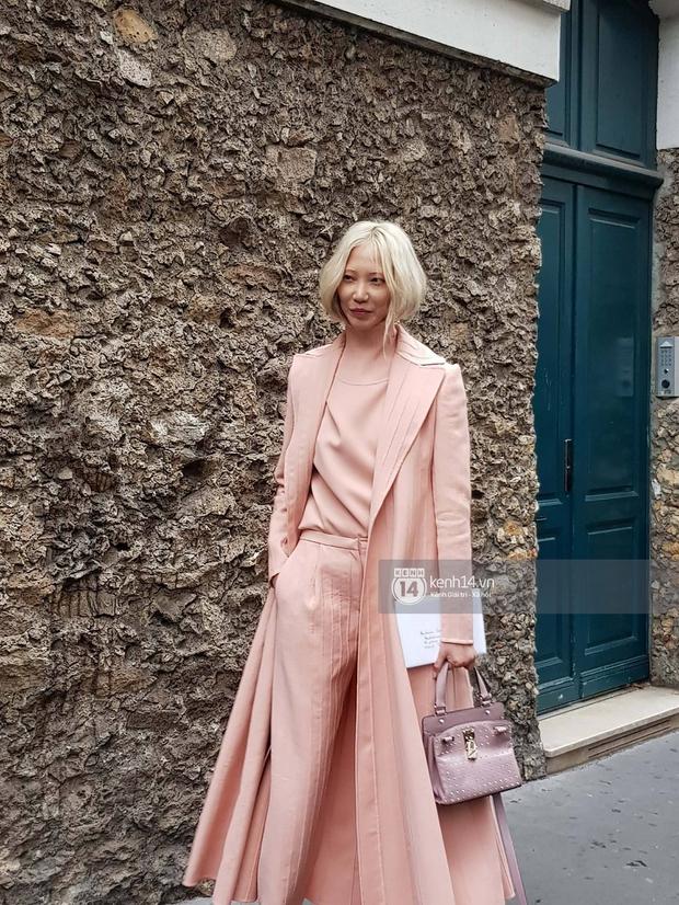 Livestream trực tiếp street style bên ngoài show diễn Valentino Xuân/Hè 2018 - Paris Fashion Week - Ảnh 3.