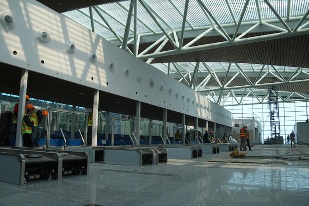 Cận cảnh nhà ga hành khách quốc tế hơn 3.500 tỷ đồng sắp hoàn thành ở Đà Nẵng - Ảnh 6.