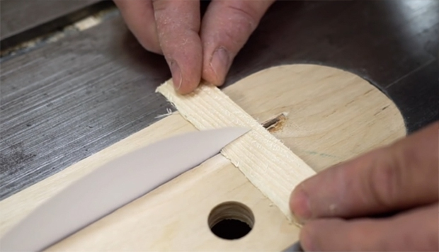Nếu chưa thấy giấy cắt đứt gỗ và thủy tinh bao giờ thì tin dần đều đi - Ảnh 2.