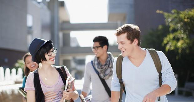 4 thói quen xấu điển hình của sinh viên năm nhất - Ảnh 1.