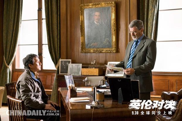 Vì đóng cảnh hành động, Thành Long phải nhập viện khi đang quay phim mới - Ảnh 1.