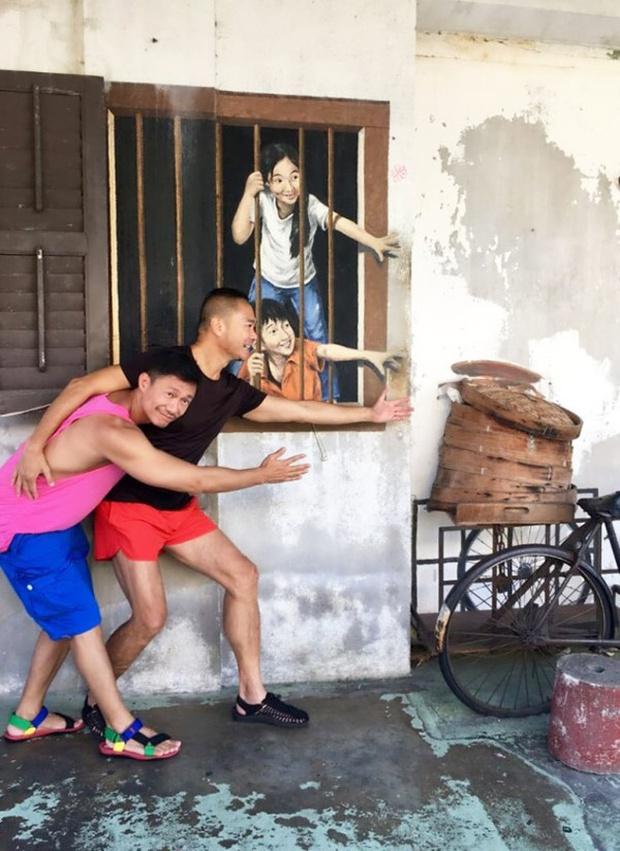 Chuyện tình đẹp: MC đồng tính Hồng Kông từ bỏ gia sản triệu đô để kết hôn với bác sĩ chữa bệnh ung thư cho mình - Ảnh 3.