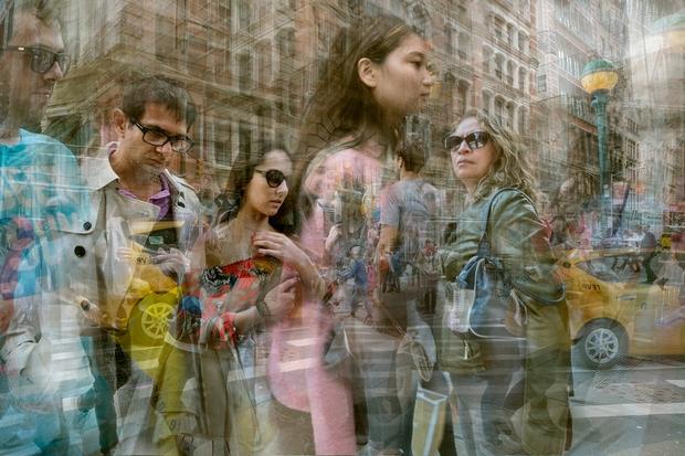 Gửi những con zombie luôn dán mắt vào màn hình điện thoại: Cuộc đời bạn đang trở nên bất hạnh hơn - Ảnh 10.