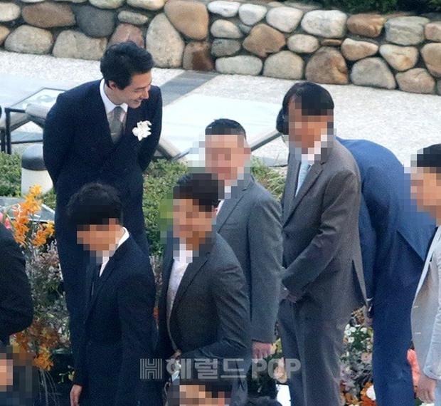 Đám cưới siêu khủng của diễn viên Vườn sao băng: Hội bạn thân tài tử, mỹ nhân hội tụ, thiếu Song Joong Ki - Ảnh 7.