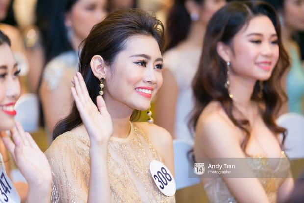 Hoàng Thùy, Mâu Thủy khoe đường cong quyến rũ cùng dàn thí sinh tại họp báo HHHVVN - Ảnh 15.
