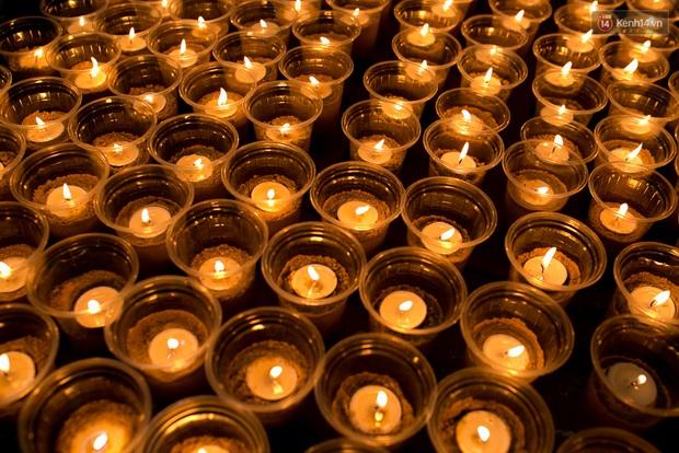 Đêm ra trường ngập tràn ánh nến, thắp vạn điều ước tuổi 18 của học sinh trường chuyên Lê Hồng Phong - Ảnh 3.