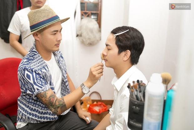 Hoài Lâm cùng bạn gái bất ngờ xuất hiện tại buổi ghi hình Chung kết 1 The Voice - Ảnh 8.