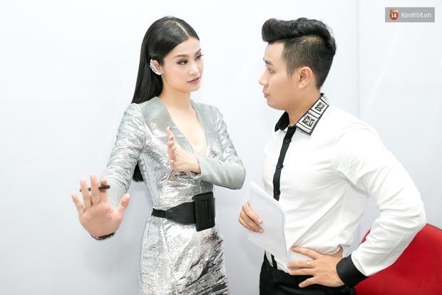 Hoài Lâm cùng bạn gái bất ngờ xuất hiện tại buổi ghi hình Chung kết 1 The Voice - Ảnh 20.