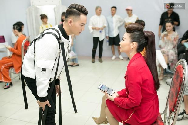 Hoài Lâm cùng bạn gái bất ngờ xuất hiện tại buổi ghi hình Chung kết 1 The Voice - Ảnh 15.