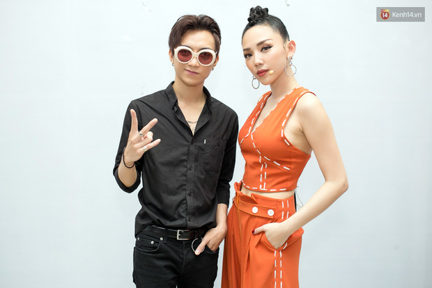 Hoài Lâm cùng bạn gái bất ngờ xuất hiện tại buổi ghi hình Chung kết 1 The Voice - Ảnh 10.