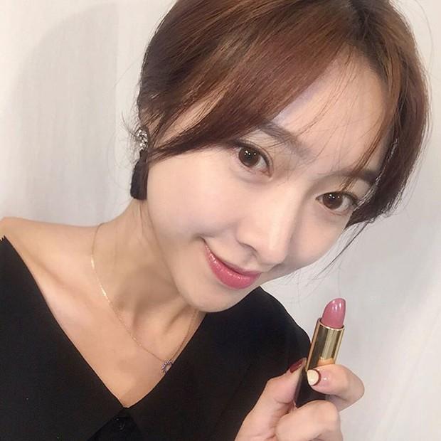 Son màu hồng đất Kim Go Eun diện trong Goblin gây sốt, con gái Hàn thi nhau sắm - Ảnh 11.
