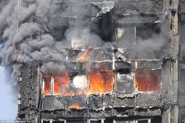 Tại sao xả nước trốn trong nhà khi có hỏa hoạn lớn lại là một hành động dại dột? - Ảnh 2.